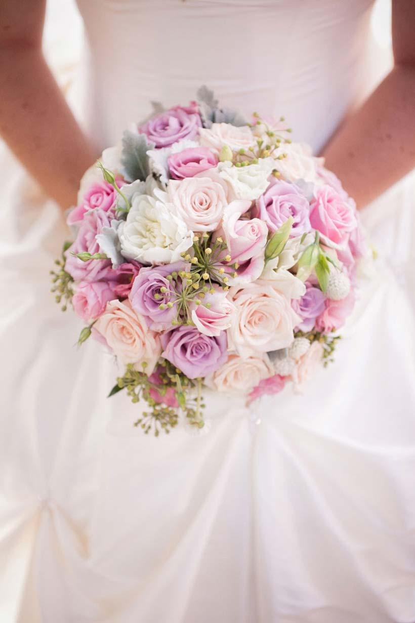 Букет невесты на свадьбе фото